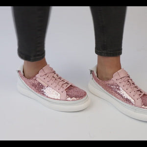 Load and play video in Gallery viewer, Urban Bianca + Sneaker Glitter Rosa