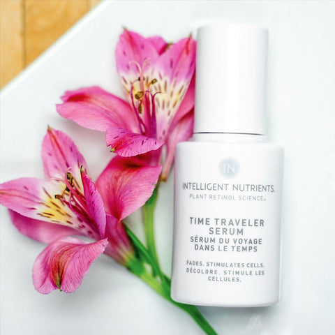products/time-traveler-serum-flowers.jpg