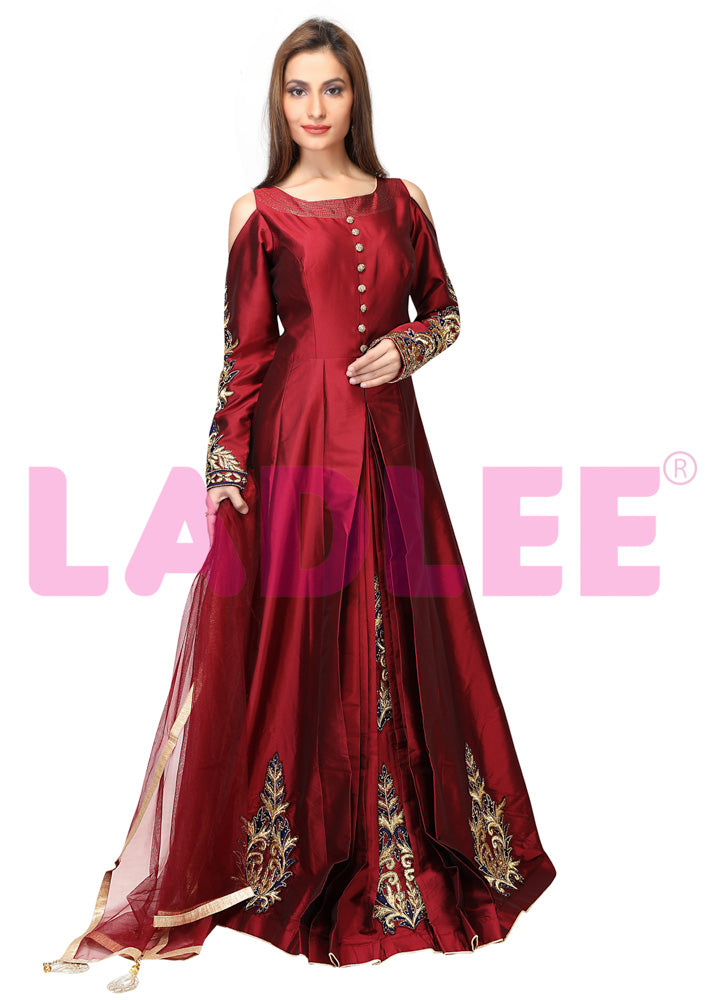 Tafeta silk gown with gold embroidery - Maroon