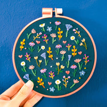 Load image into Gallery viewer, DIY Florallover Embroidery Kit
