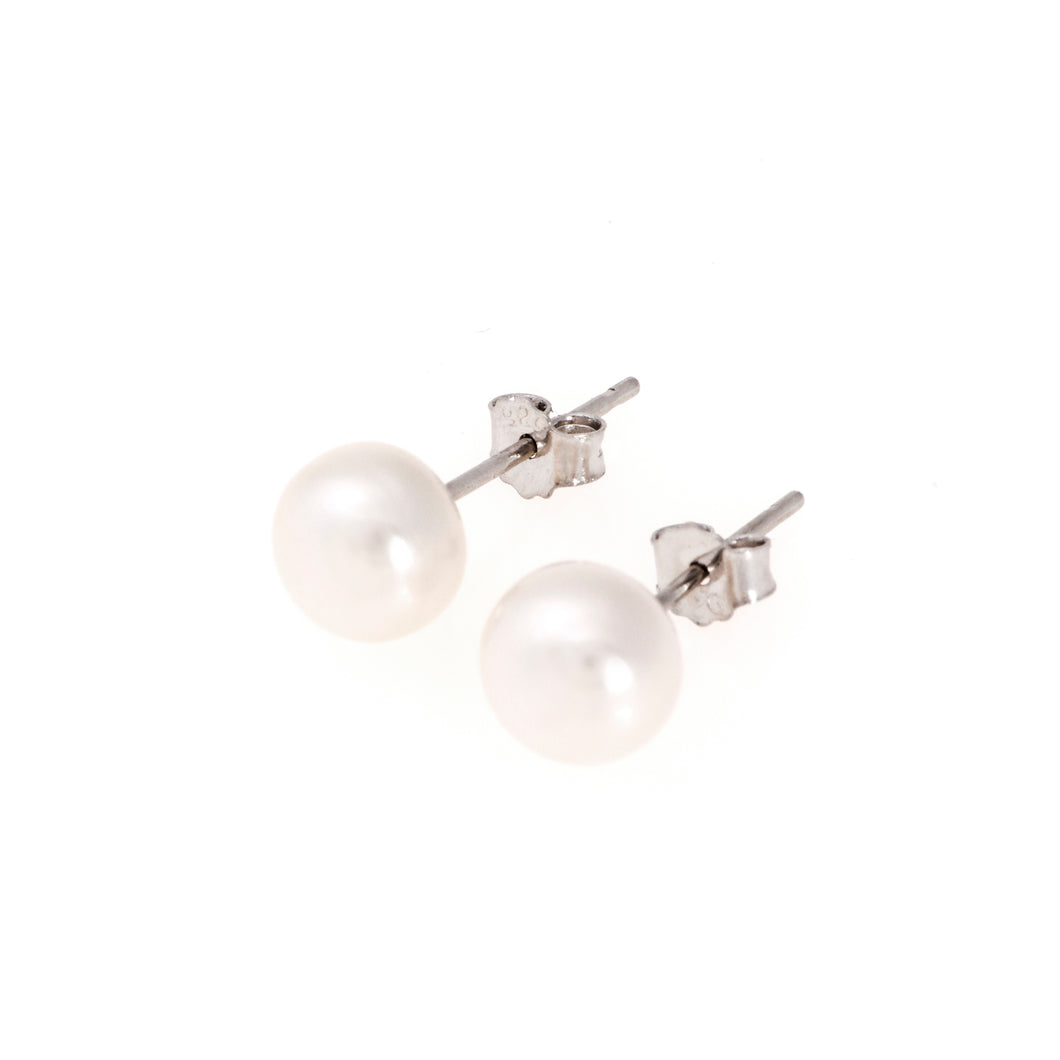 Pearl studs, pearl earrings, natural, white pearls, bridesmaid gifts, bat mitzvahJ crew, Mikimoto, natural pearls, dyed pearls, colored pearls