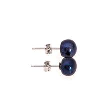 Load image into Gallery viewer, Pearl studs, pearl earrings, natural, black pearls, bridesmaid gifts, bat mitzvah, J Crew, Mikimoto, natural pearls, dyed pearls, colored pearls