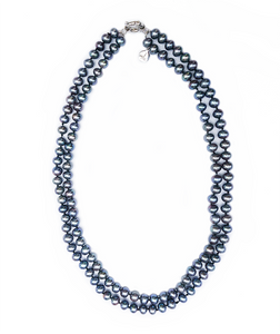 Fifth Avenue Pearl Necklace in Noir