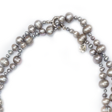 Load image into Gallery viewer, Gatsby Pearl Necklace in Pewter