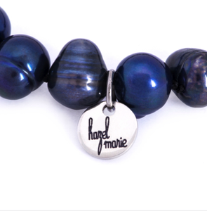 Hazel & Marie: Cultured Pearl bracelet large navy blue with tag