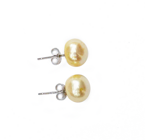 Hazel & Marie: Cultured Pearl large stud earrings in lemonade on side