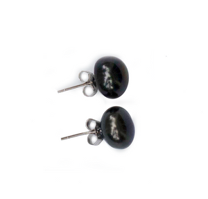 Luxe Pearl Stud Earrings in Noir