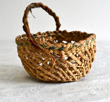 Load image into Gallery viewer, Woven Grass Basket - Small