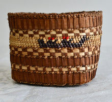 Load image into Gallery viewer, Woven Grass Basket
