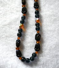Load image into Gallery viewer, Glass Bead Necklace