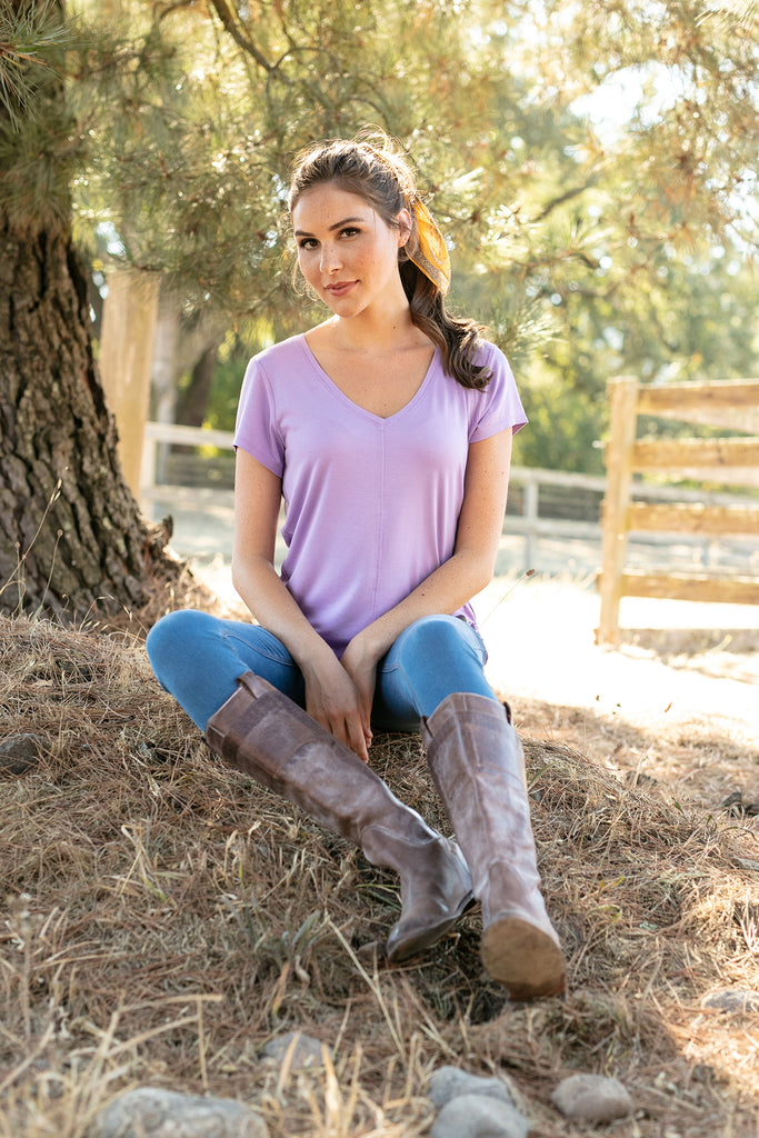 The V-Neck Tee in Lilac