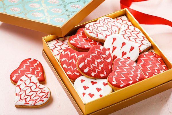 Heart shaped  Valentine cookie box