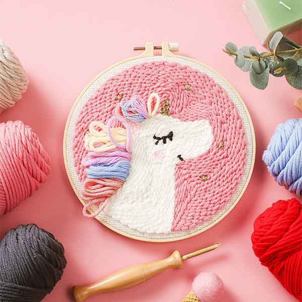 EASY PUNCH NEEDLE EMBROIDERY PROJECTS