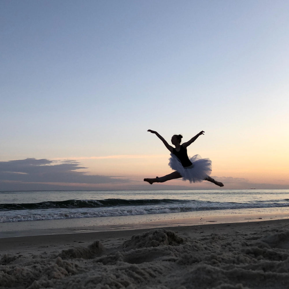Load image into Gallery viewer, Beach Ballerina