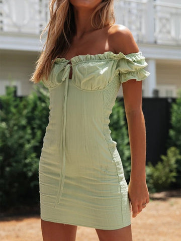 STRAPLESS BOAT NECK FLOUNCE DRESS