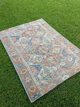 Load image into Gallery viewer, Semi Antique Persian Bakhtiari Rug 4.7'x6.7'