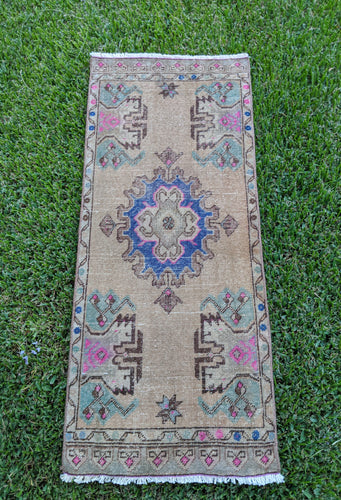 Vintage Turkish  Rug 1.8'x4'