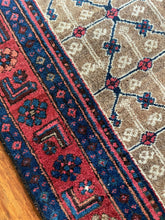 Load image into Gallery viewer, Vintage Persian Bijaar Rug 3.11'x6'