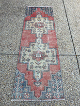Load image into Gallery viewer, Vintage Turkish Runner 2.5'x7.2'
