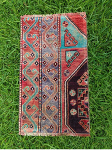 "Vintage Turkish Yastik Rug 17""x30"""