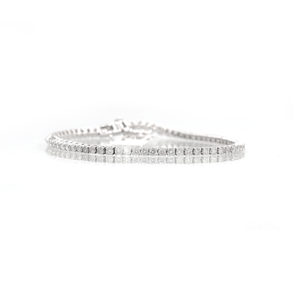 Pleasing 18K White Gold Line Diamond Bracelet (4.47ct Carat Diamond Weight)