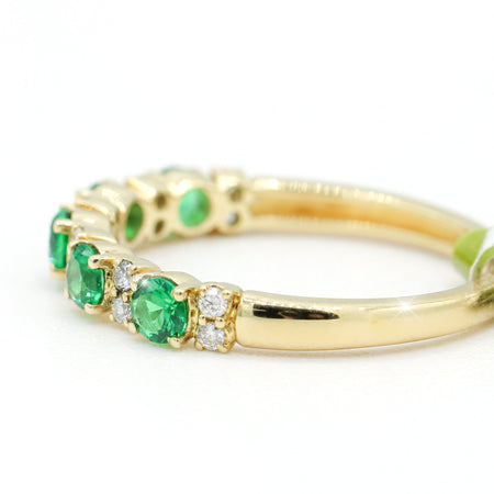Admirable 14K Yellow Gold Tsavorite Garnet Band (0.50ct/0.16ct Carat Weight)