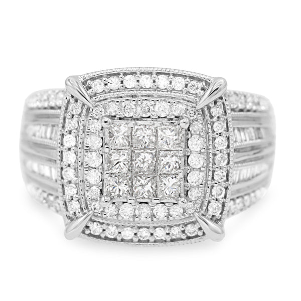 Magnificent 10K White Gold Princess Cut Ring (1.00ct Carat Diamond Weight)