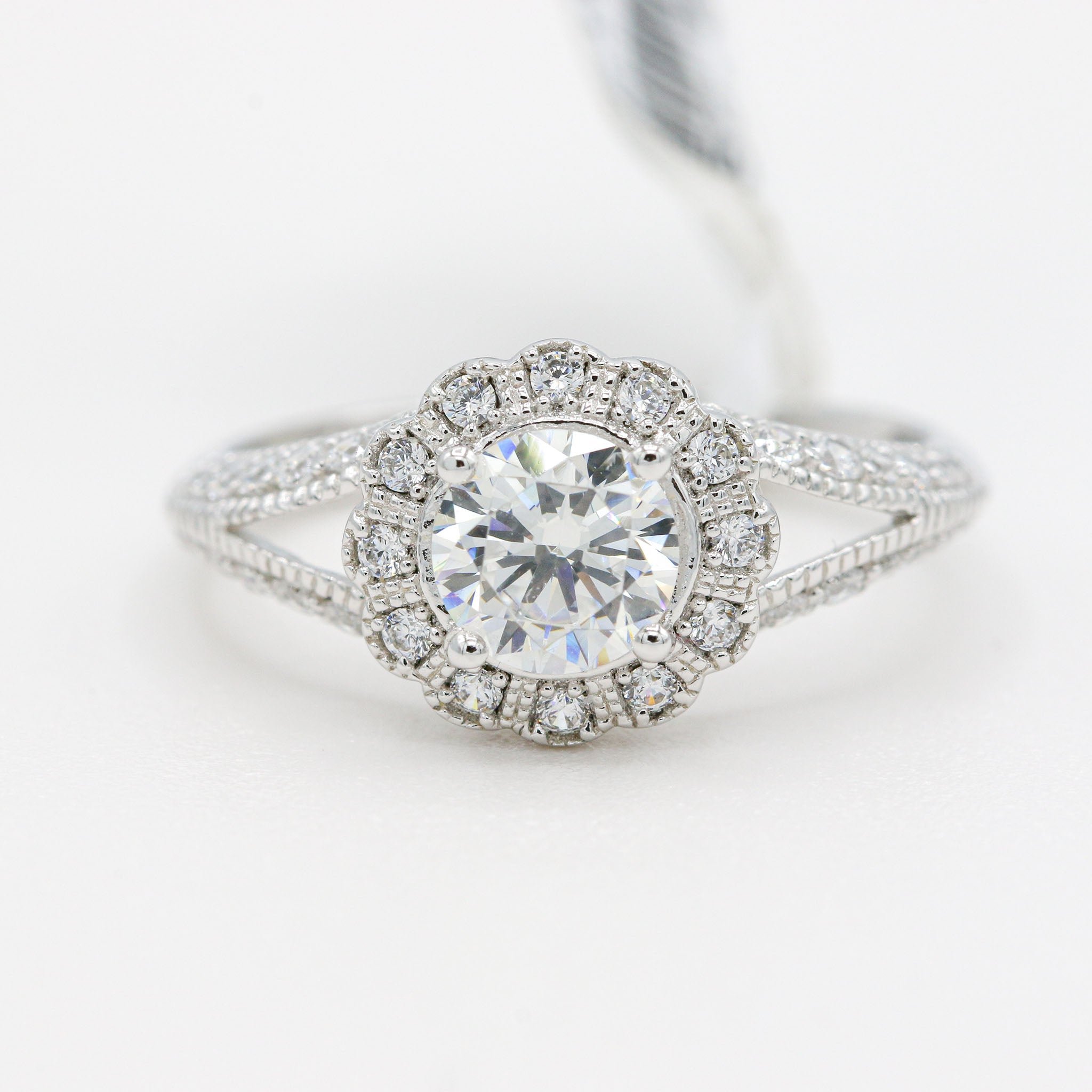 Stunning Lafonn Sterling Silver Bonded in Platinum Vintage Bridal Ring (1.24ct Simulated Diamonds)