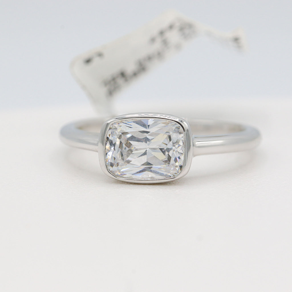 Unique Lafonn Sterling Silver Bonded in Platinum Bezel Ring (1.96ct Simulated Diamonds)
