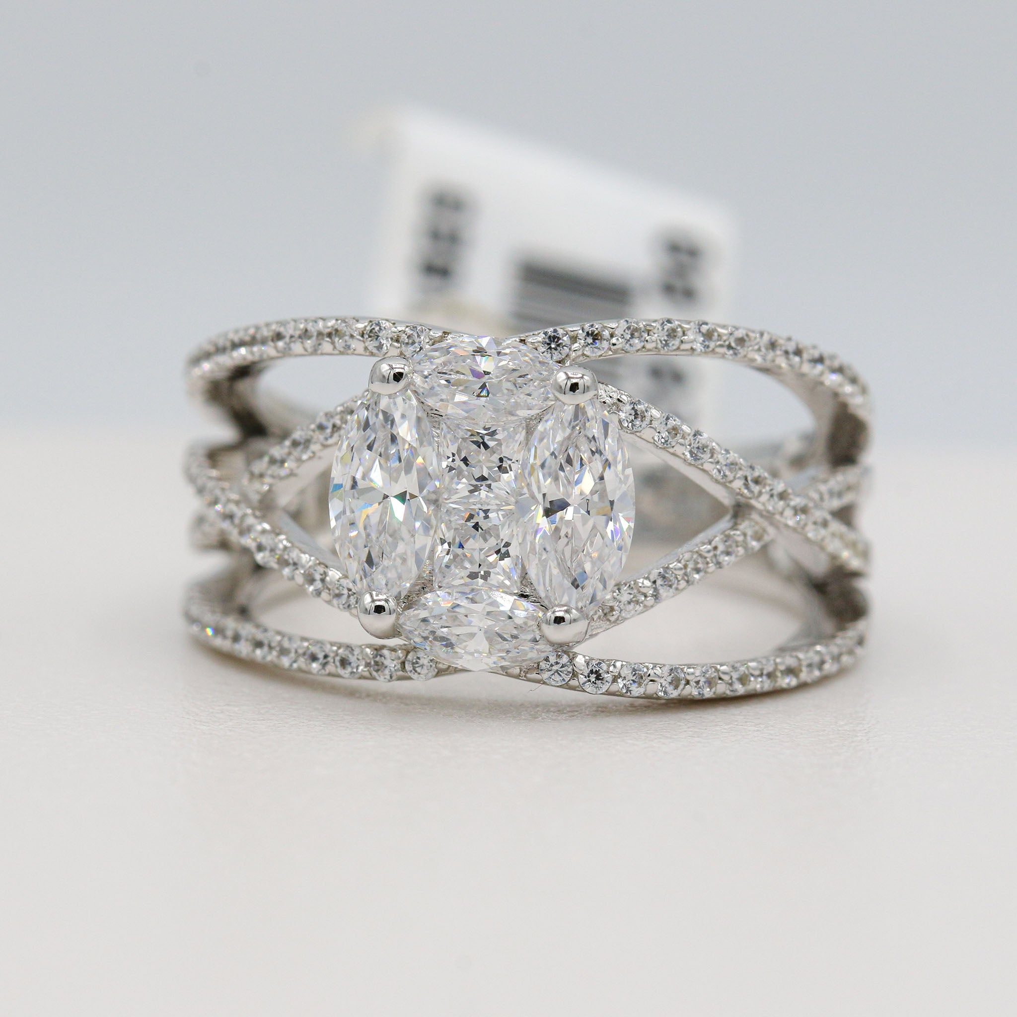 Splendid Lafonn Sterling Silver Bonded in Platinum Criss Cross Ring (2.24ct Simulated Diamonds)