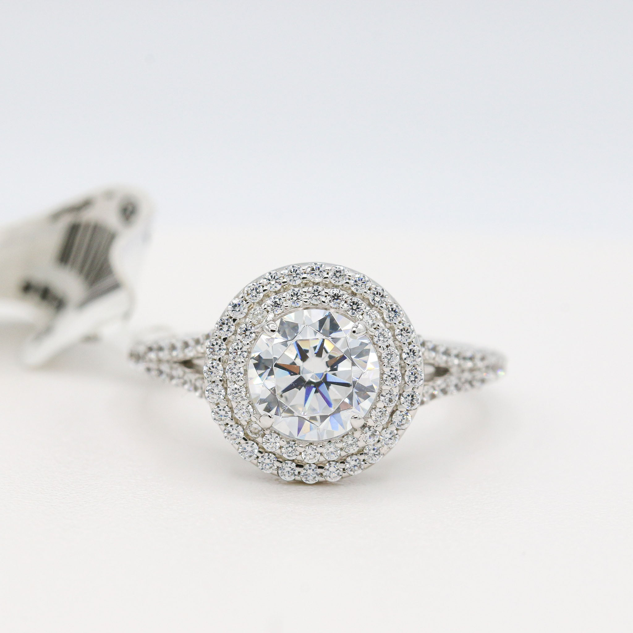 Jaw Dropping Lafonn Sterling Silver Bonded in Platinum Halo Ring (1.28ct Simulated Diamonds)