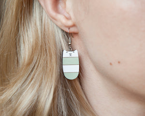 Dangle Cat Earrings Mint White
