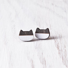 Load image into Gallery viewer, Cat Stud Earrings Black White