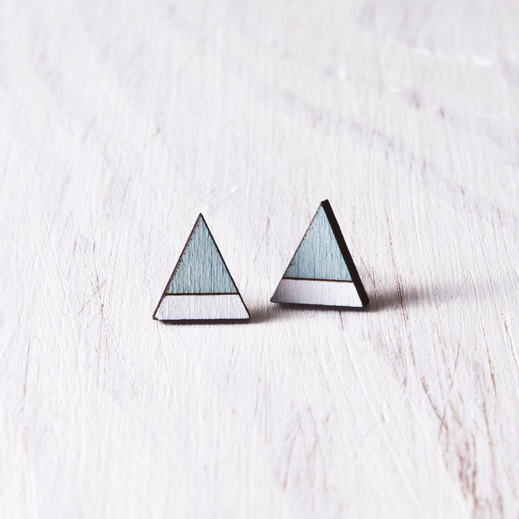 Wooden Mountain Blue White Stud Earrings