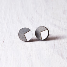 Load image into Gallery viewer, Circle Stud Earrings Gray White
