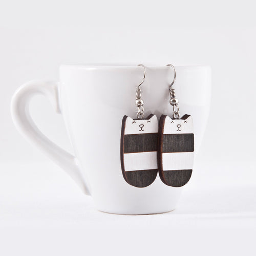 Dangle Cat Earrings Black White