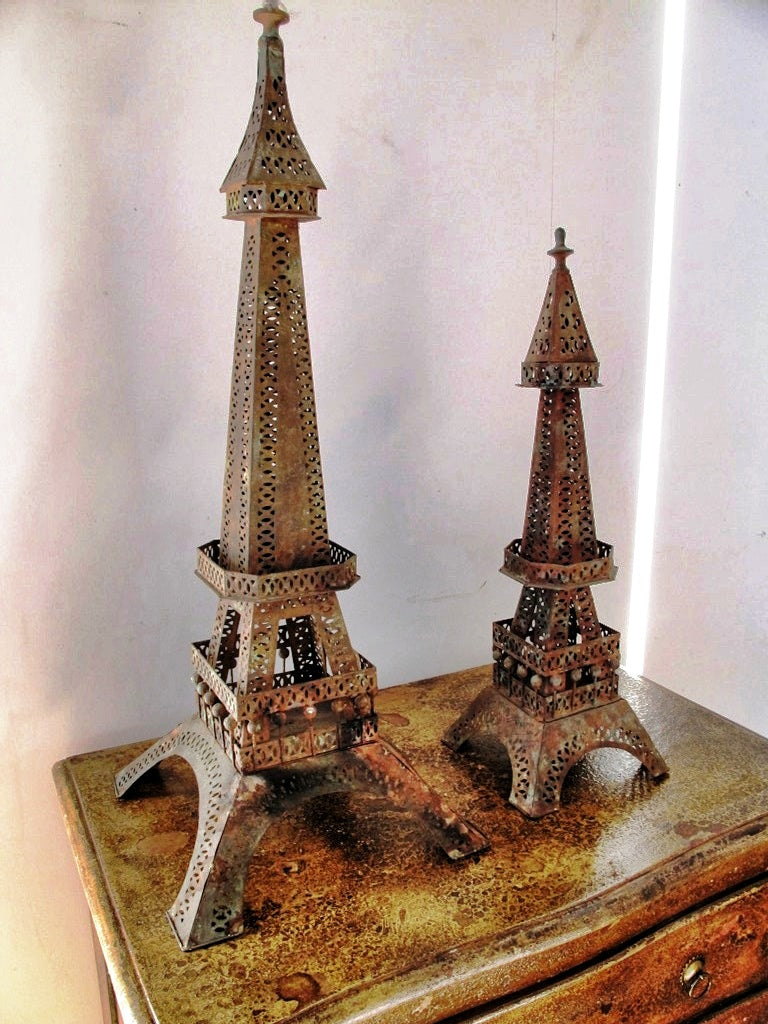 Tower Eiffel Metallo. Dimensioni Big 33x33xh80cm, Small 20x20xh60cm.