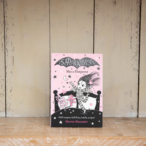 Isadora Moon Has a Sleepover by Harriet Muncaster