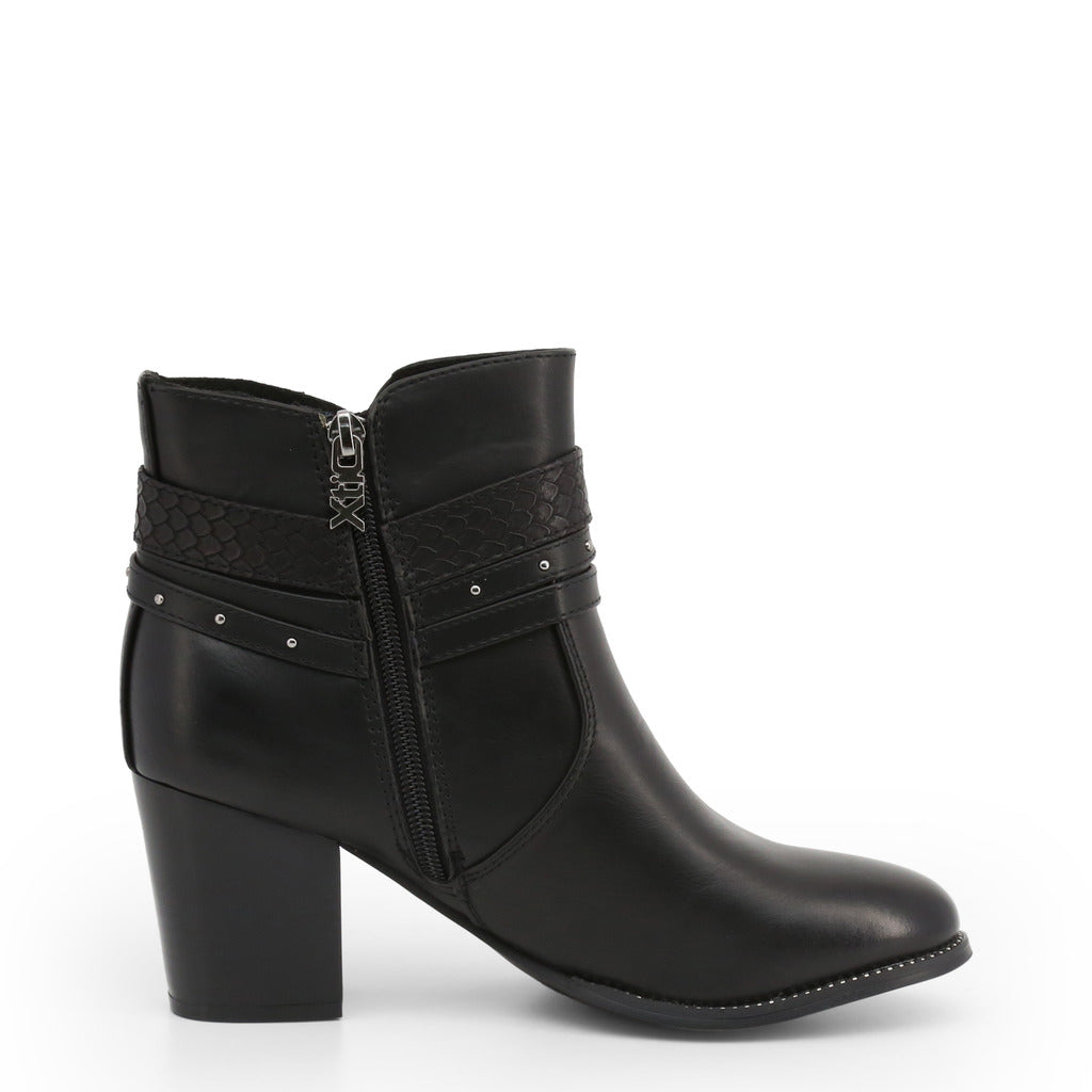 Xti - Black Buckle Boot