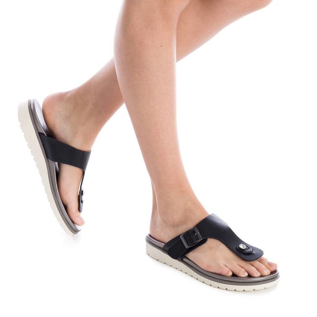 Xti - Thong Slip On