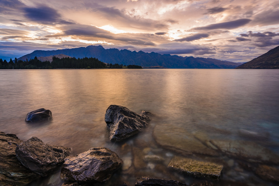 Queenstown Lake Morning Mood