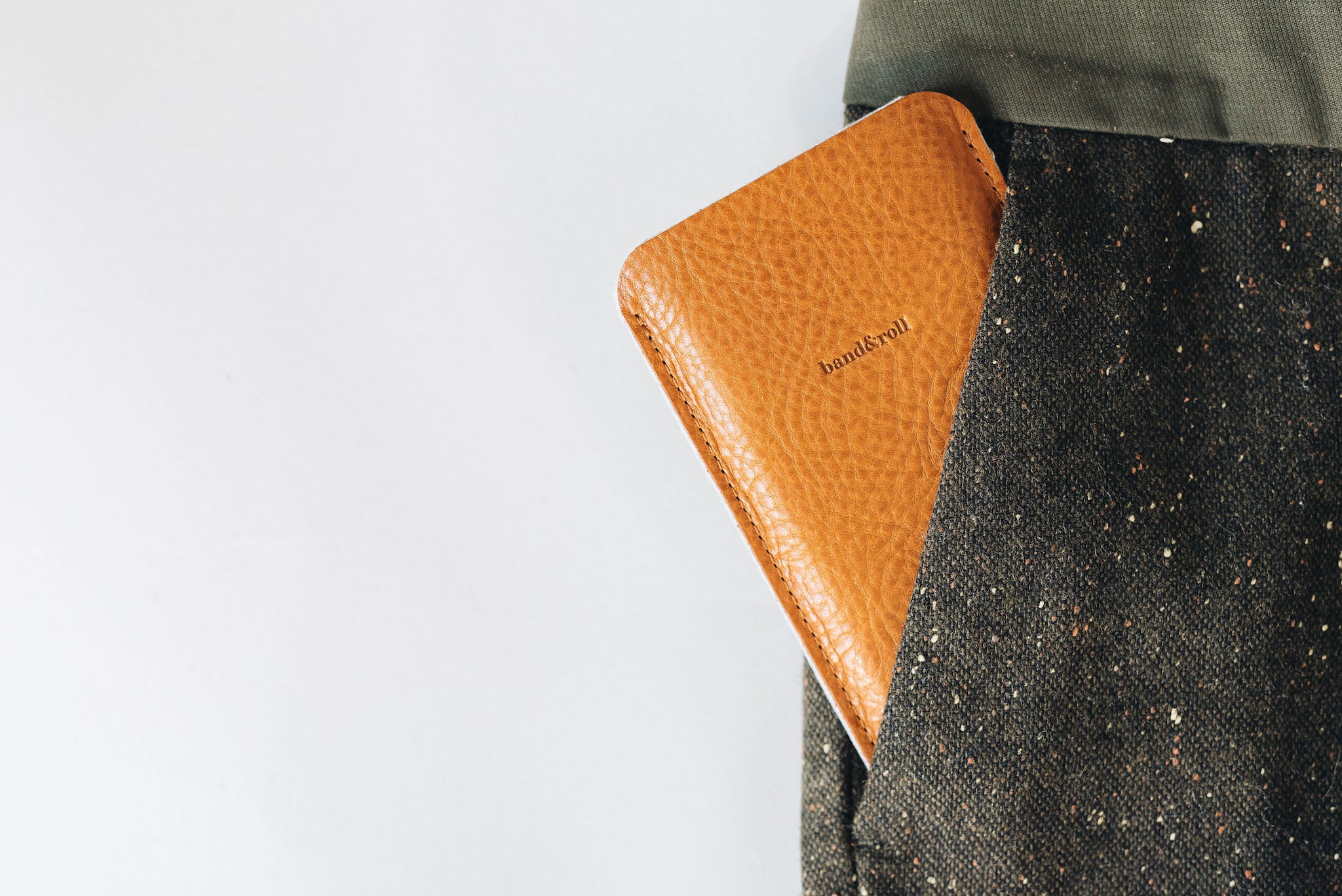 "Leather & wool felt phone case ""Dandy"" - band&roll"