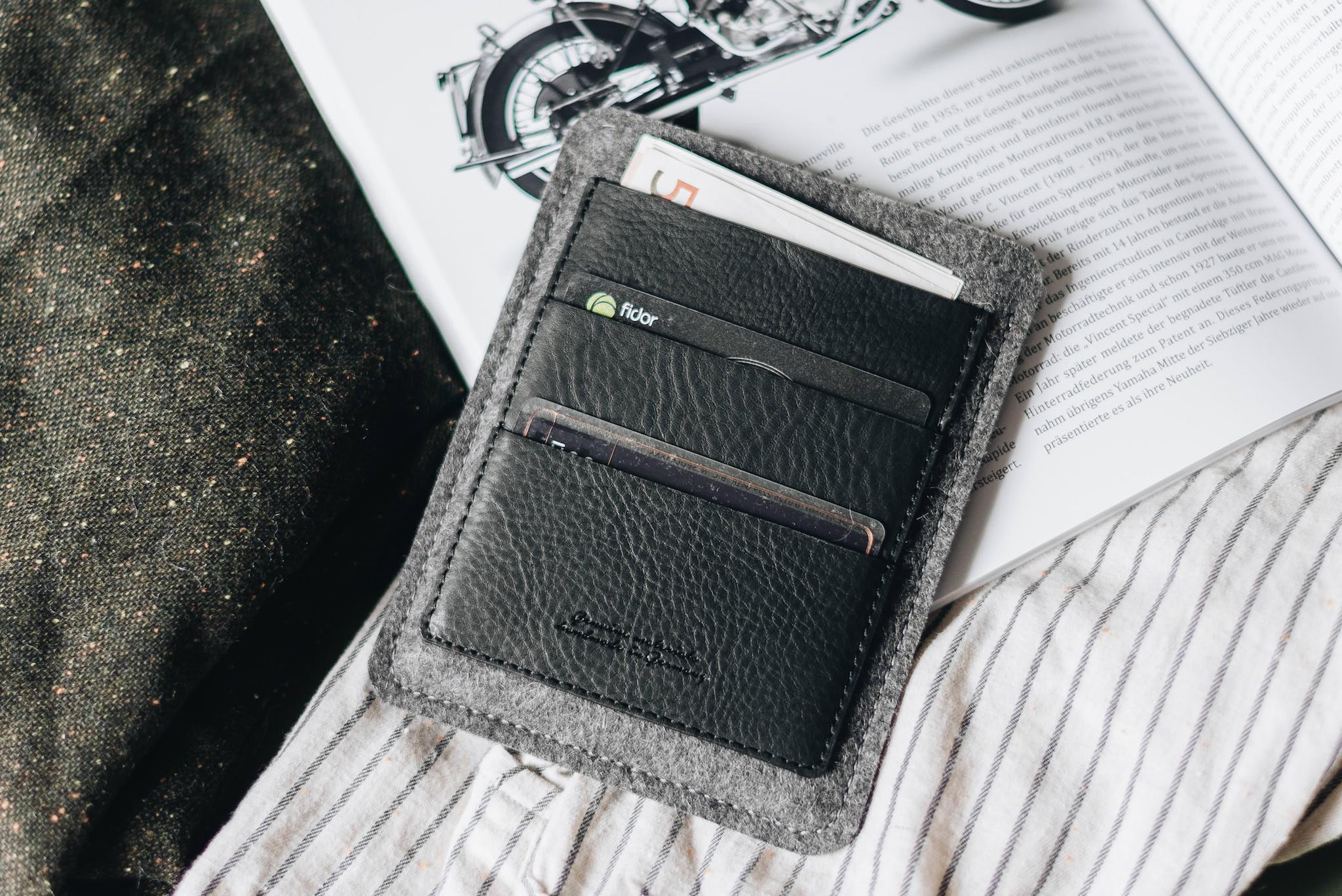 "Passport Wallet ""Porte"" - band&roll"