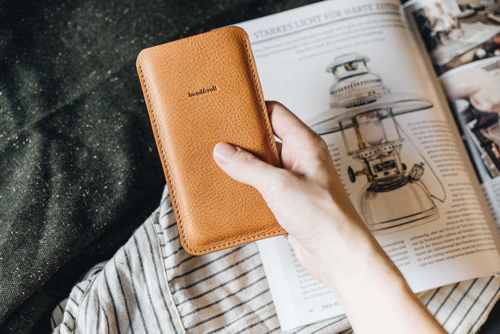 "Leather Phone Case ""Dandy"""
