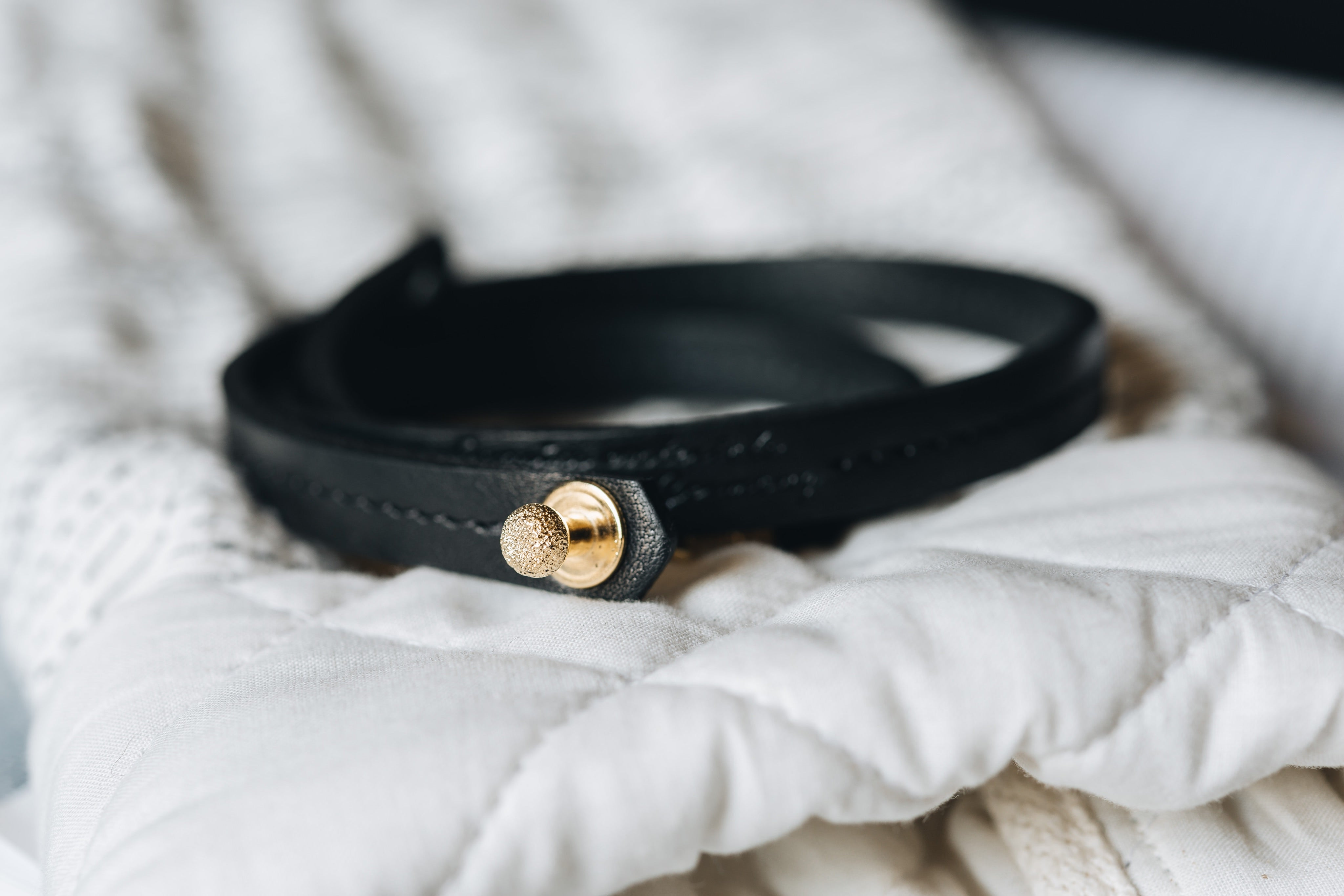 "Leather bracelet ""Mira"" - band&roll"