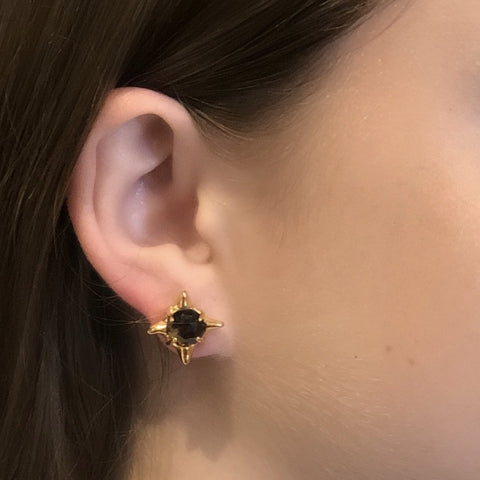 Small Pagoda Pyramid Stud with Faceted Stone