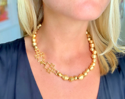 "Bamboo Clasp Cameroon 18"" Bead Necklace"