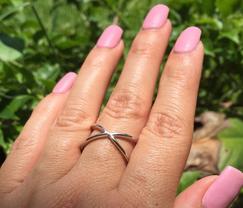 Solid Sterling Silver Overlapping X Ring - www.emmavera.com