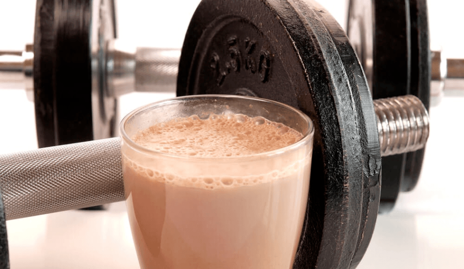 PROTEIN POWDERS AND SHAKES - WHO SHOULD USE THEM, WHEN AND WHY?