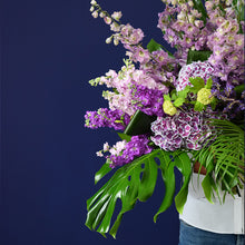 Load image into Gallery viewer, Elegant Bouquet - Outstanding